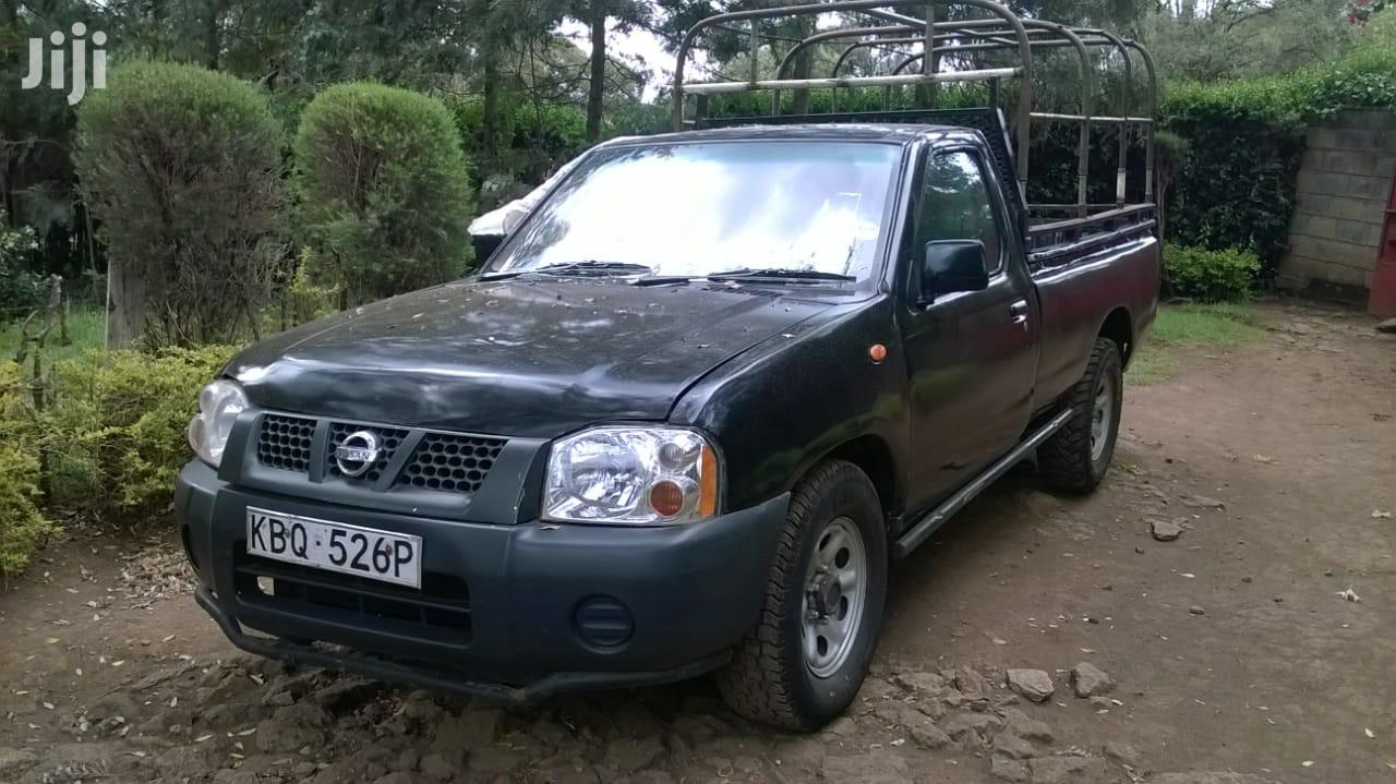 Nissan Hardbody 2011 Black