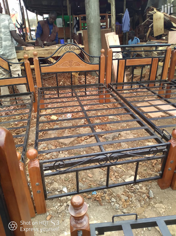 4*6 Bed (Mahogany And Metal)