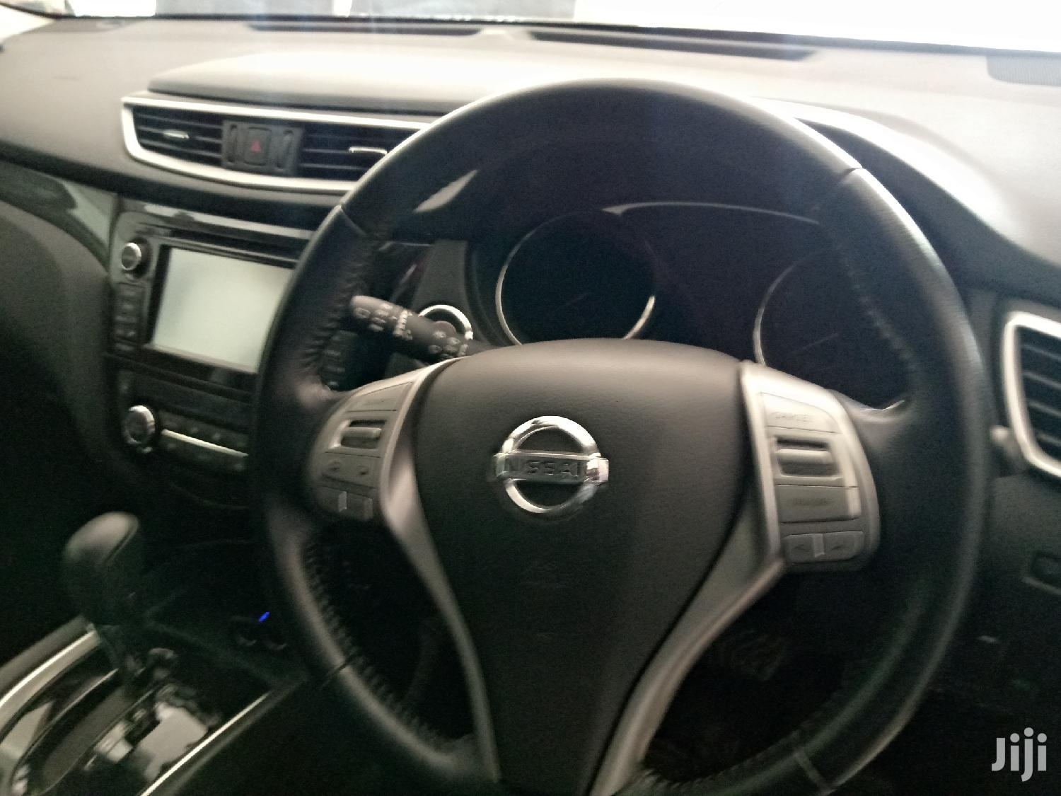 Archive: Nissan X-Trail 2014 Gray