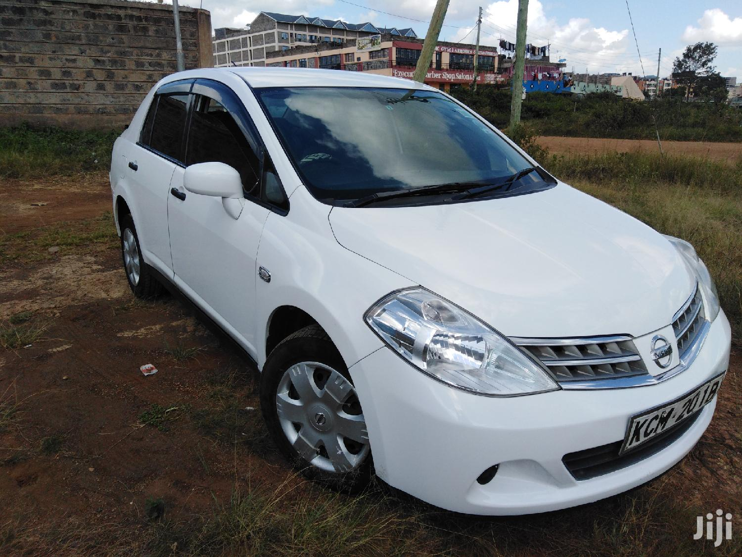 Archive: Nissan Tiida 2010 White