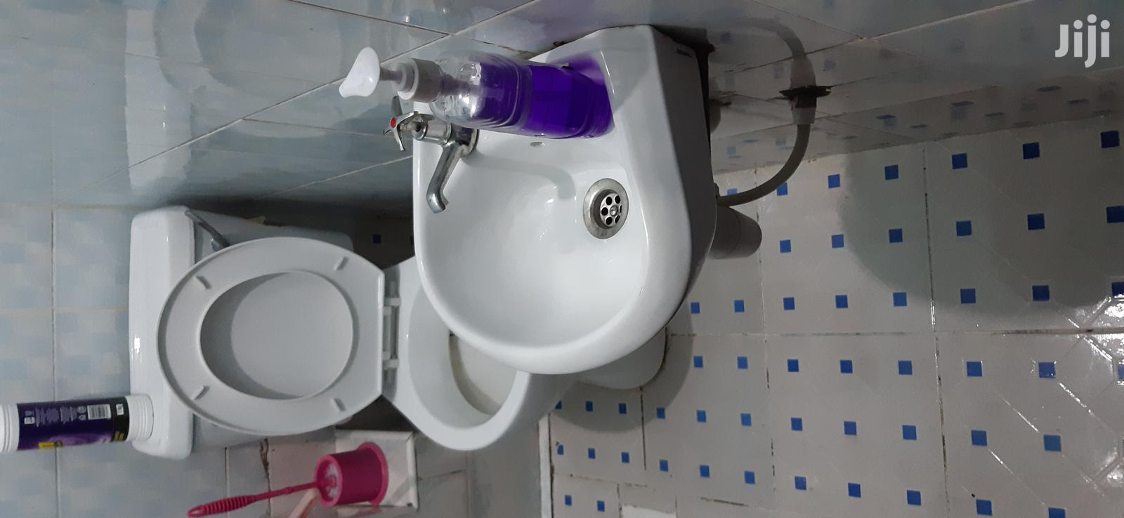 Washrooms Cleaning Services