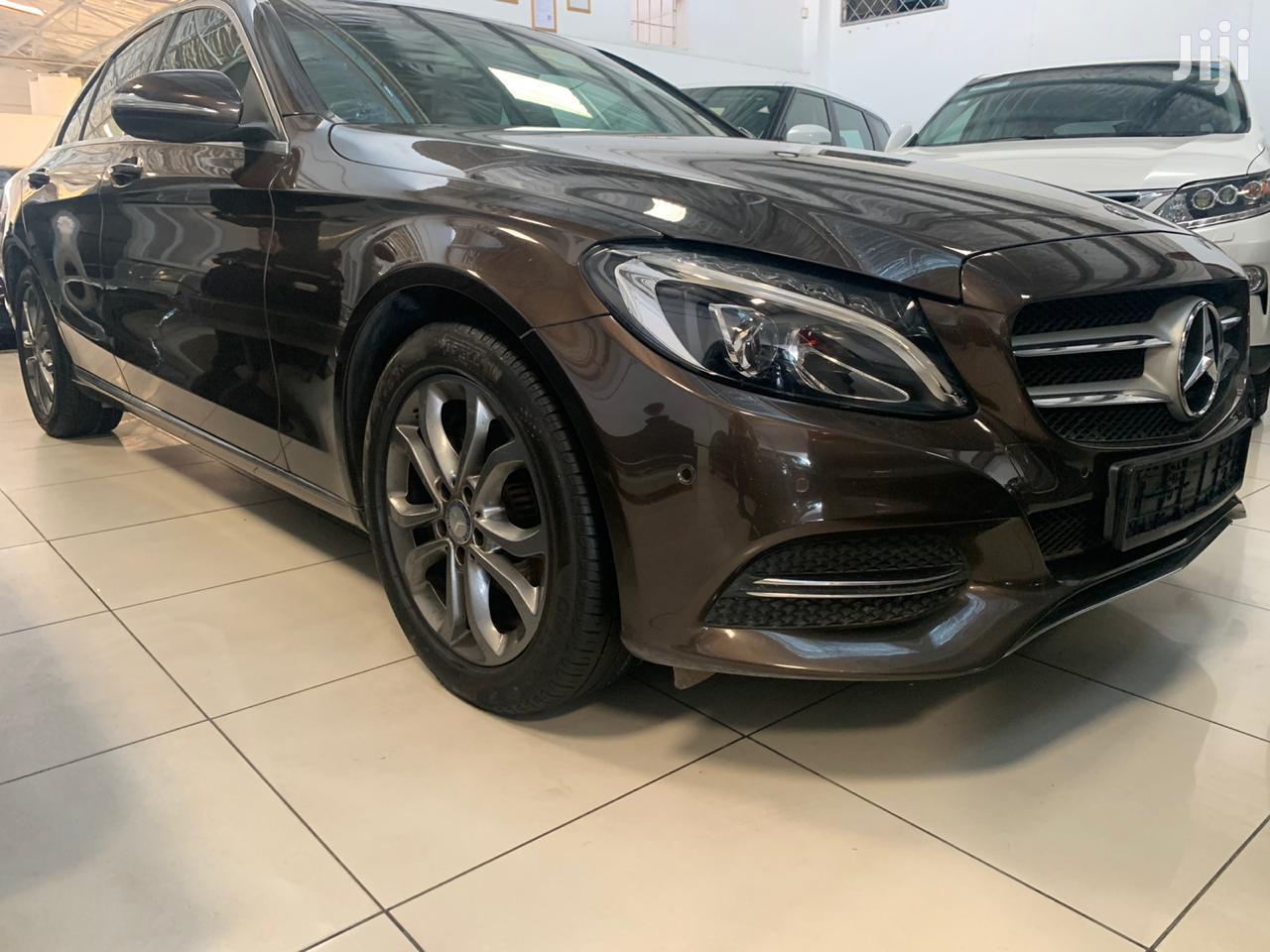 Mercedes-Benz C200 2015 Brown