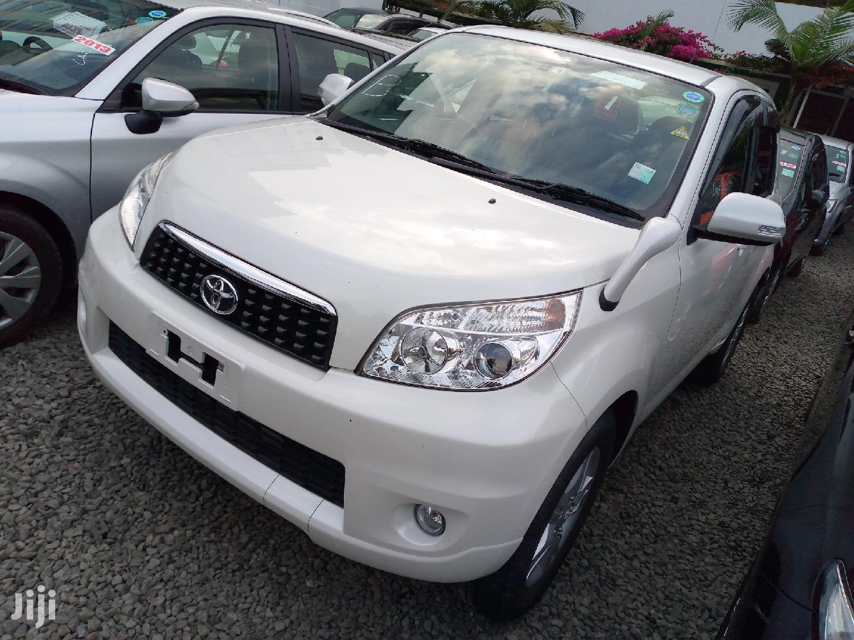 Archive: Toyota Rush 2014 White
