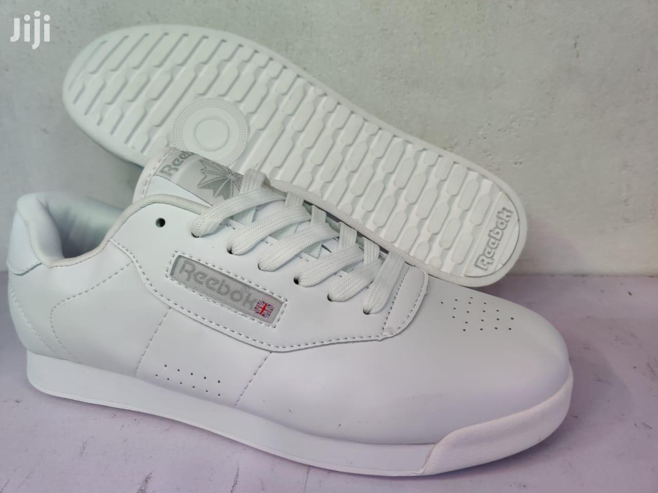 Archive: Fashionable Rebook Unisex Sneakers