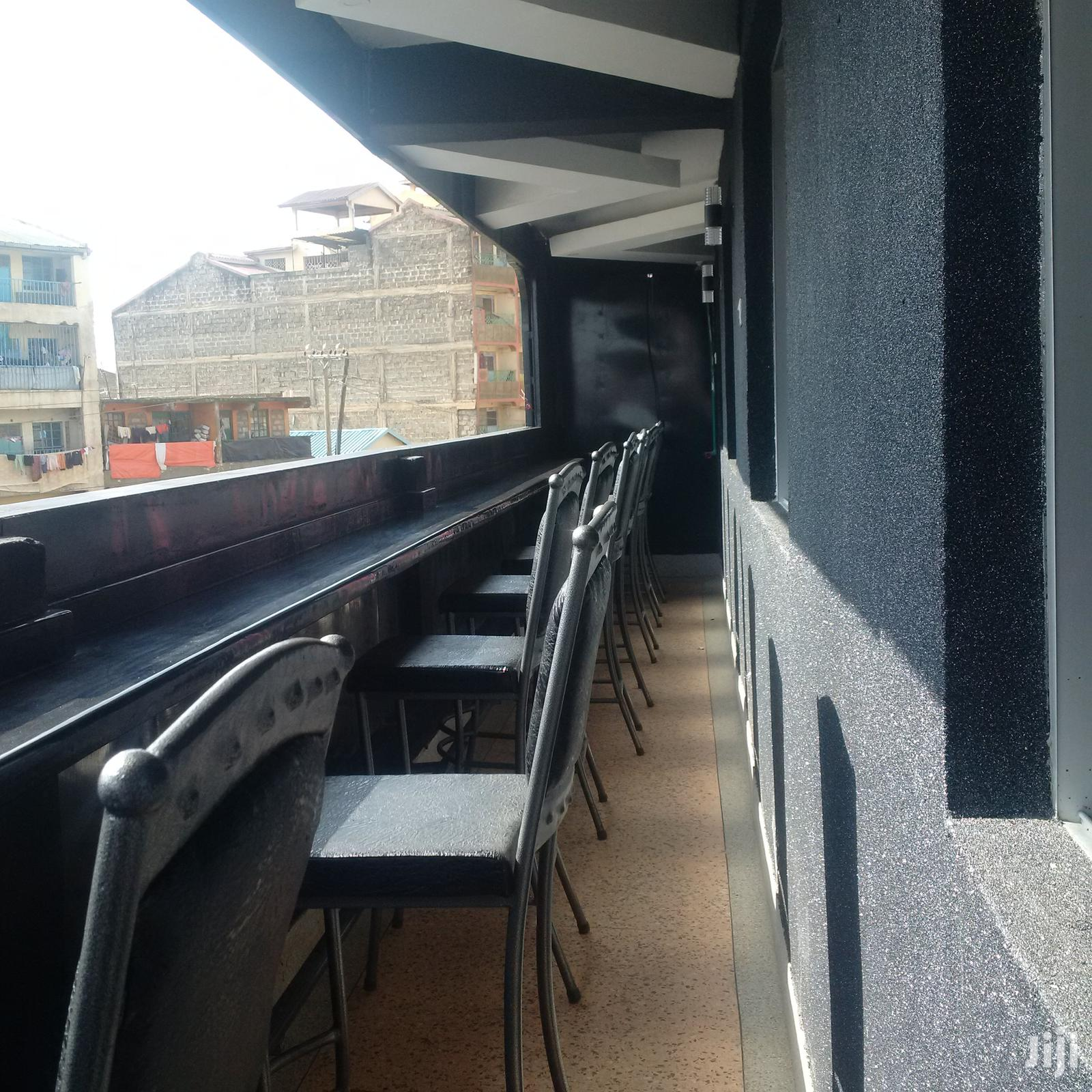Interior Sports Bars Designers/Seats And Tables