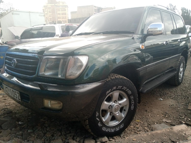 Archive: Toyota Land Cruiser Prado 2000 Green