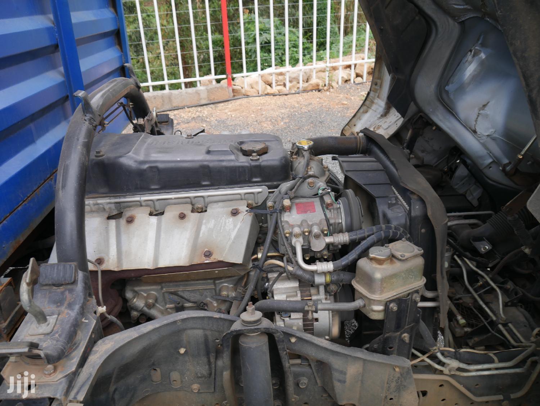 Archive: Mitsubishi Canter 2001