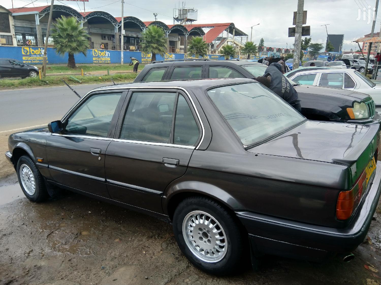 Archive: BMW 318i 1988 Black