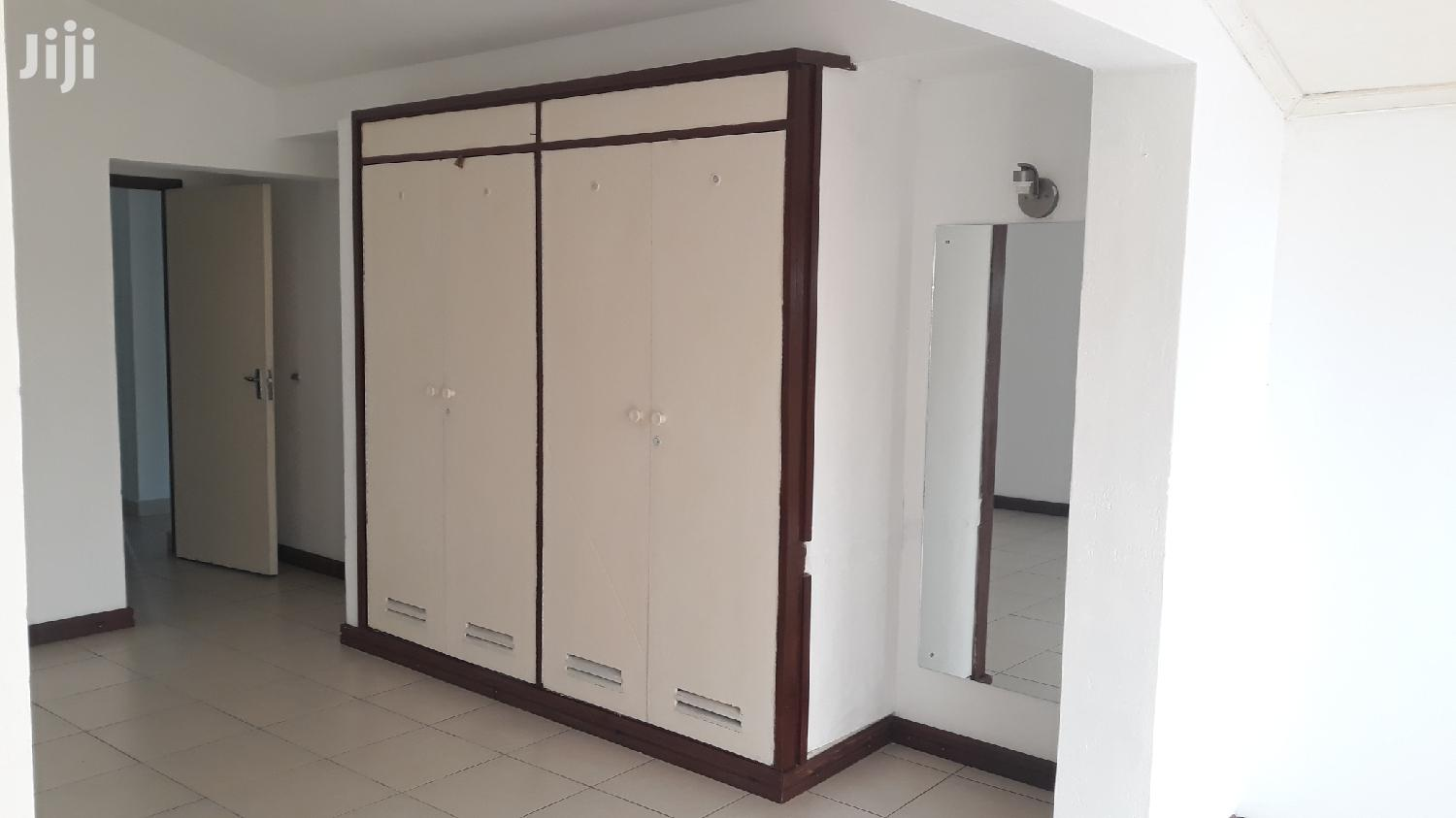 Nyali Links Road// 4 Bedroom Refurbished House Own Compound   Houses & Apartments For Sale for sale in Nyali, Mombasa, Kenya