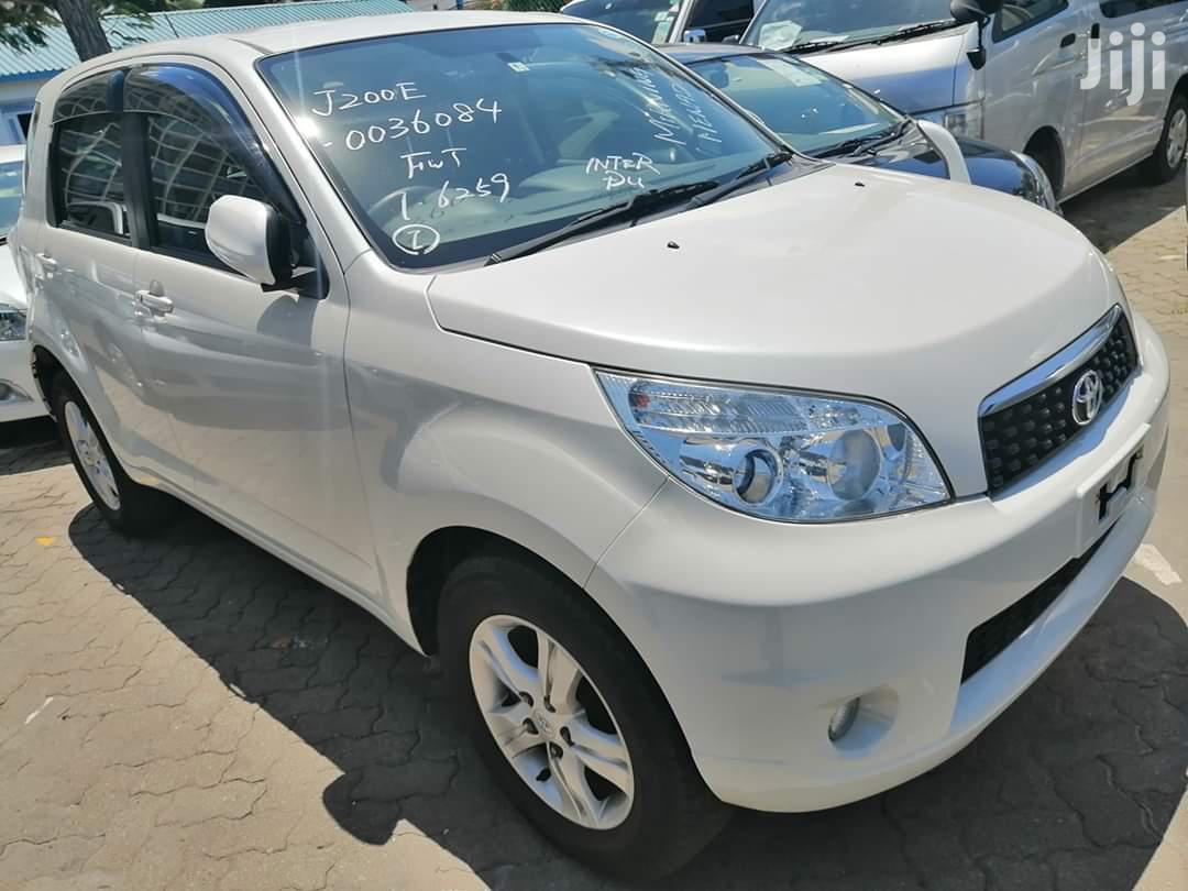 Toyota Rush 2013 White