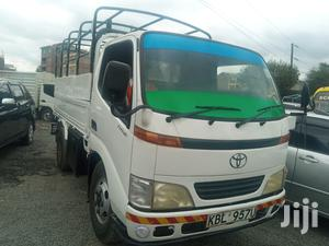 Toyota Dyna 2002 White For Sale