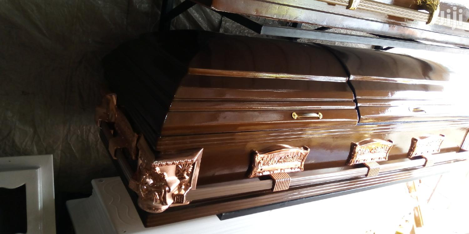 Archive: Wholesale Coffin Makers