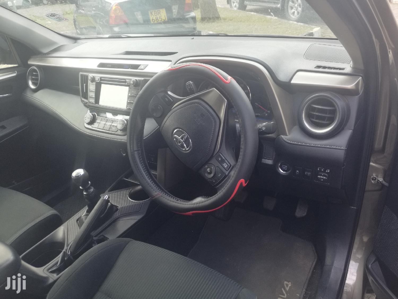Archive: Toyota RAV4 2014 Brown