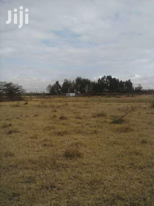 5acres at Kamulu for 18m