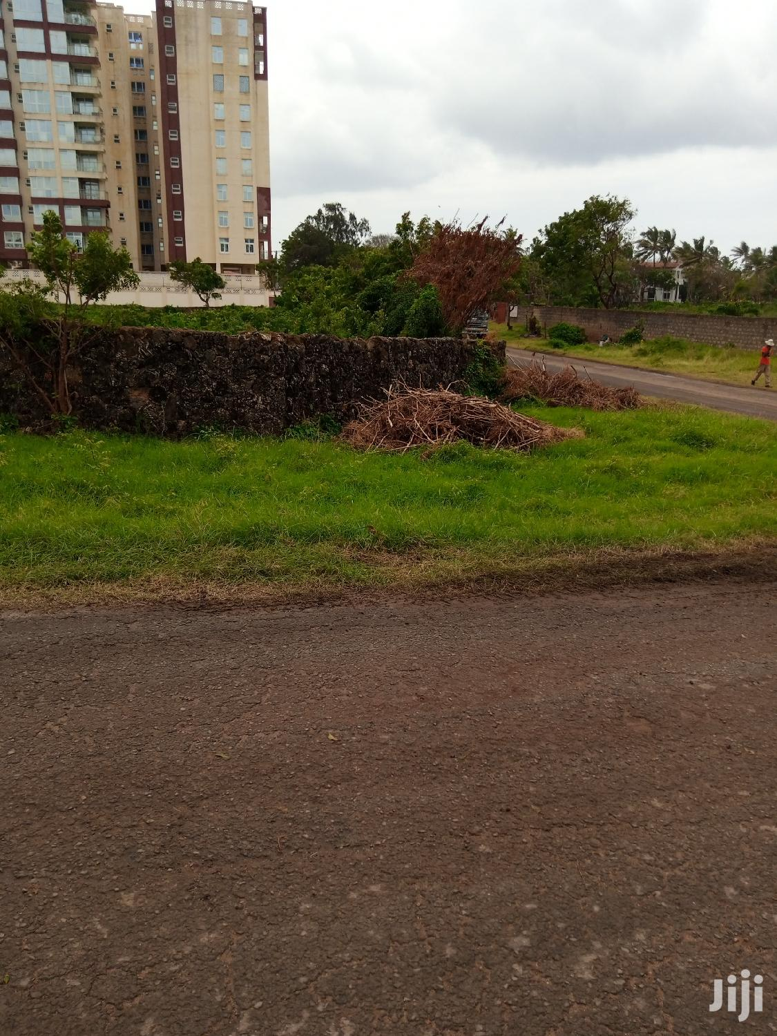 Plot To Let In Nyali 1 And Half Acre