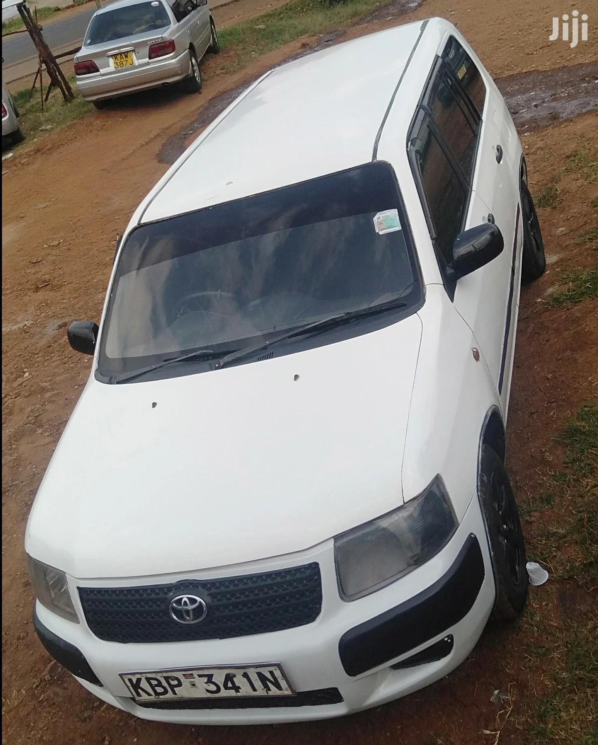 Toyota Succeed 2004 White