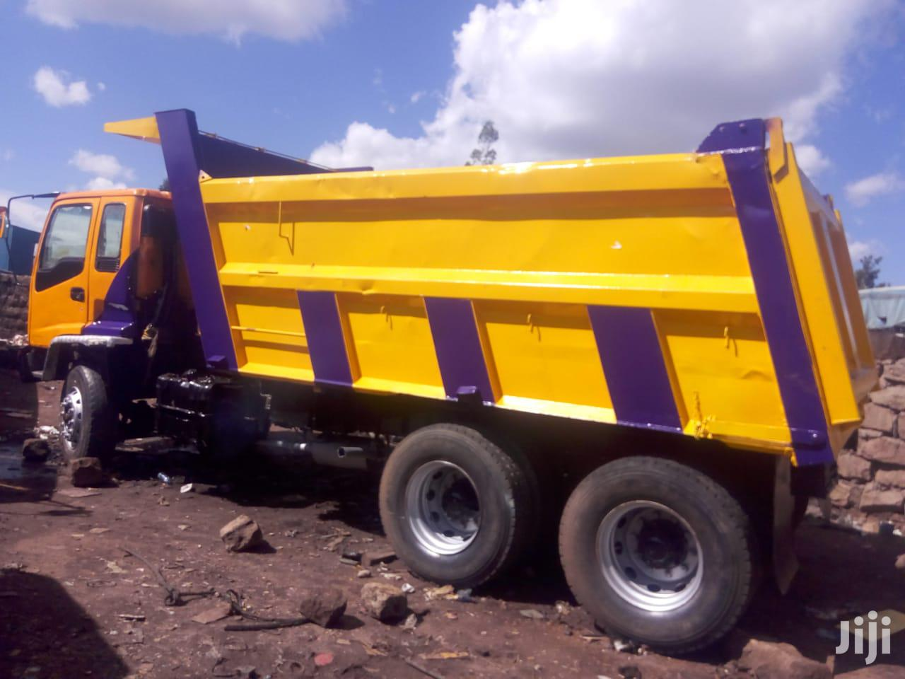 Archive: Used Isuzu Fvz Tipper 2012 Yellow For Sale
