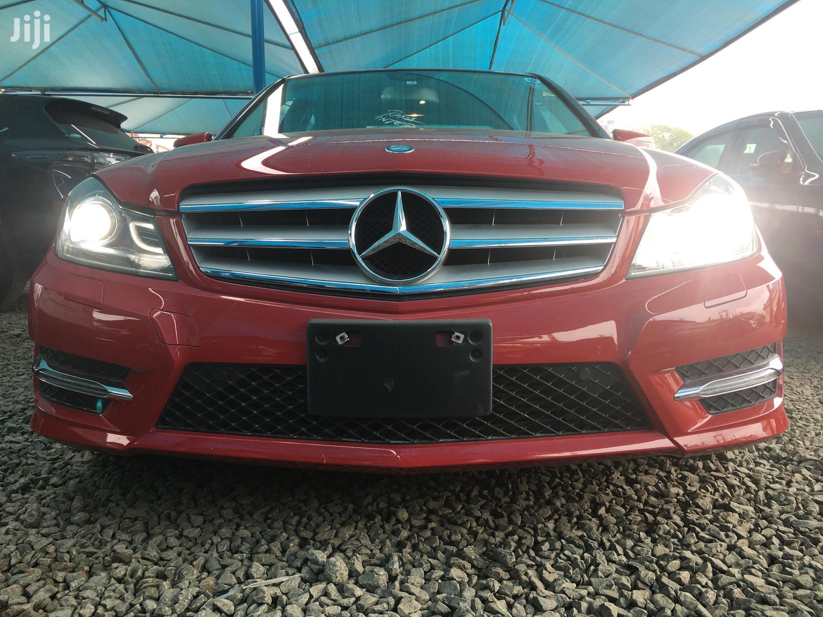Mercedes-Benz C180 2013 Red