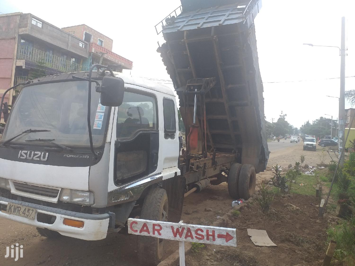 Archive: Isuzu Tipper For Sale