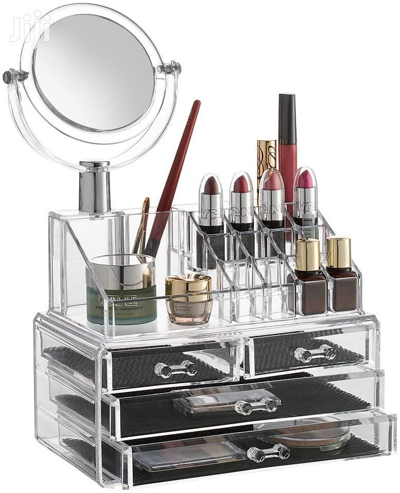 Archive: Cosmetic Organizer With A Mirror