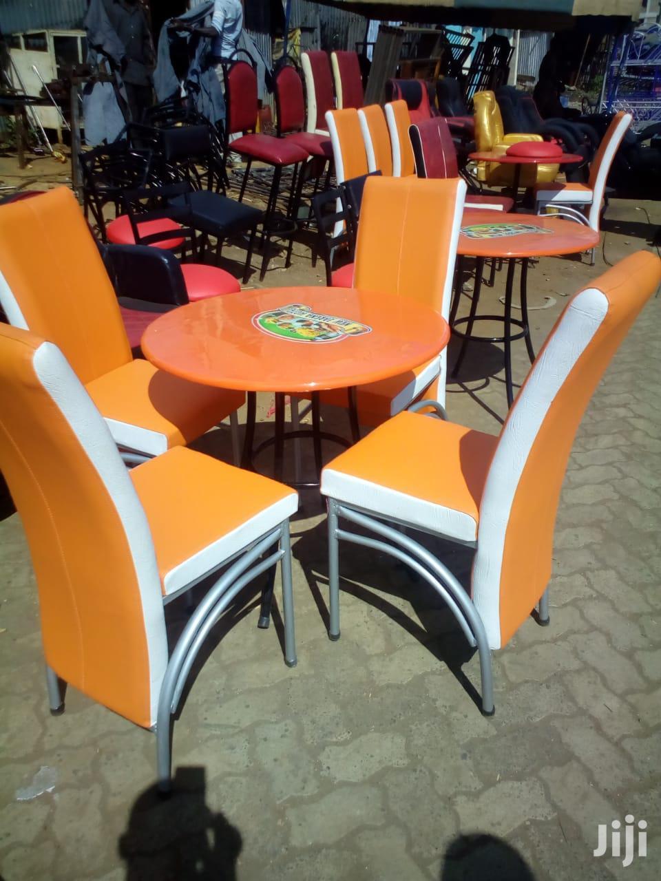 Bar/Restaurant Chair And Table