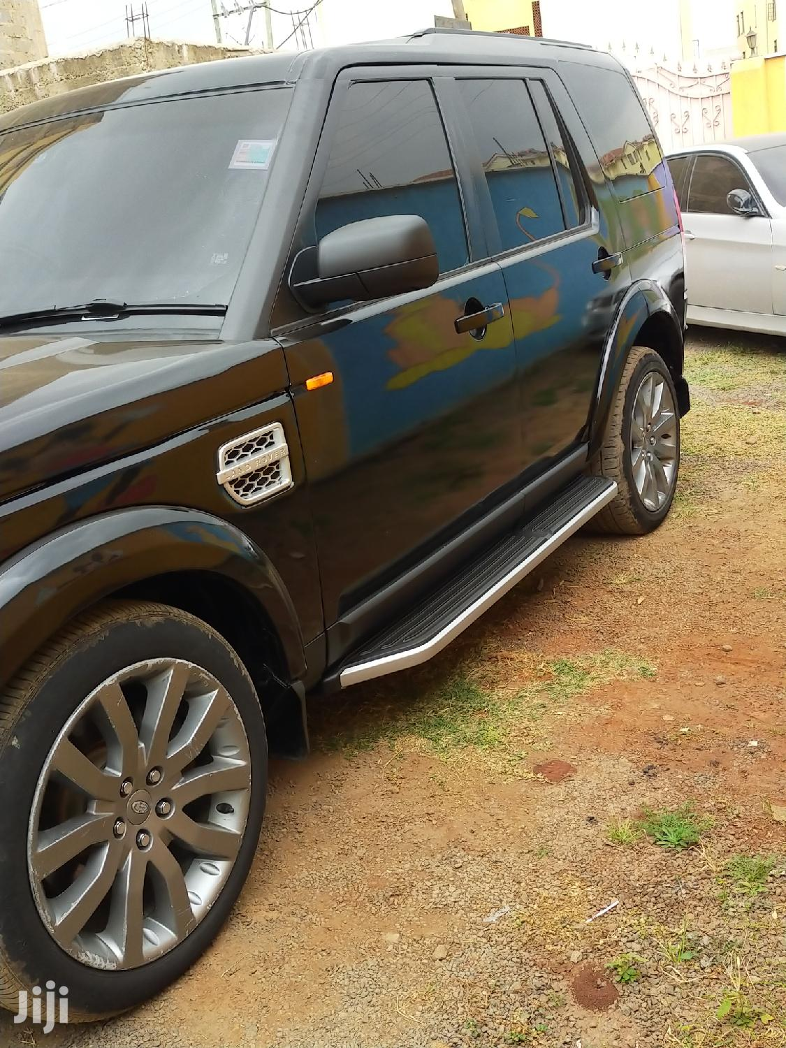 Archive: Land Rover Discovery 2010 Black