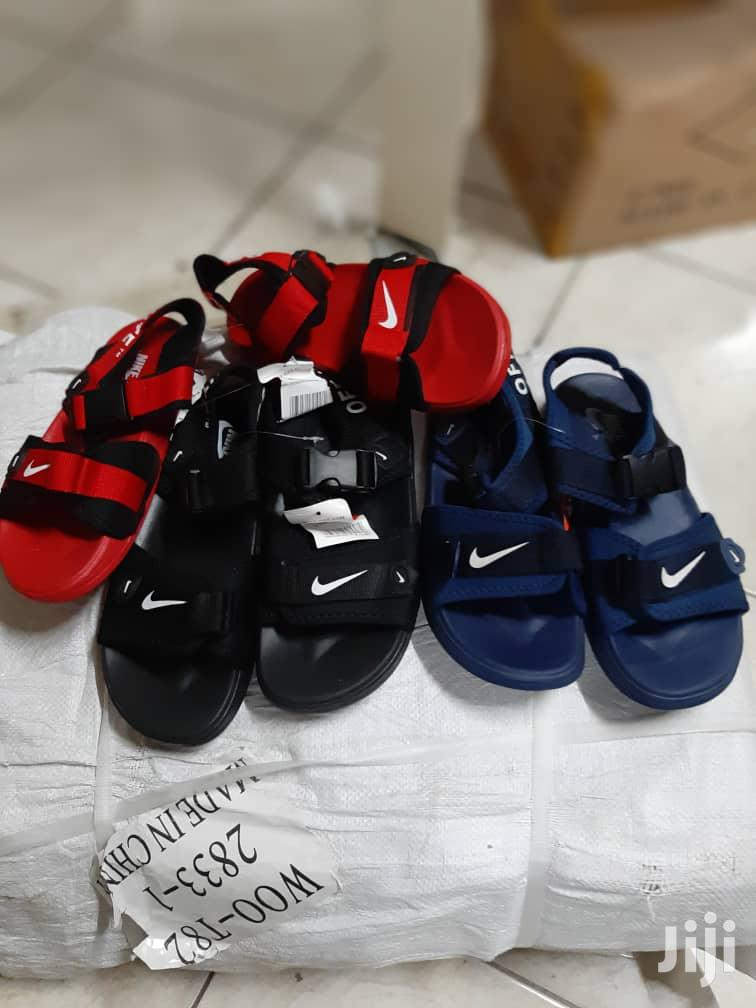 Archive: Nike Sandles