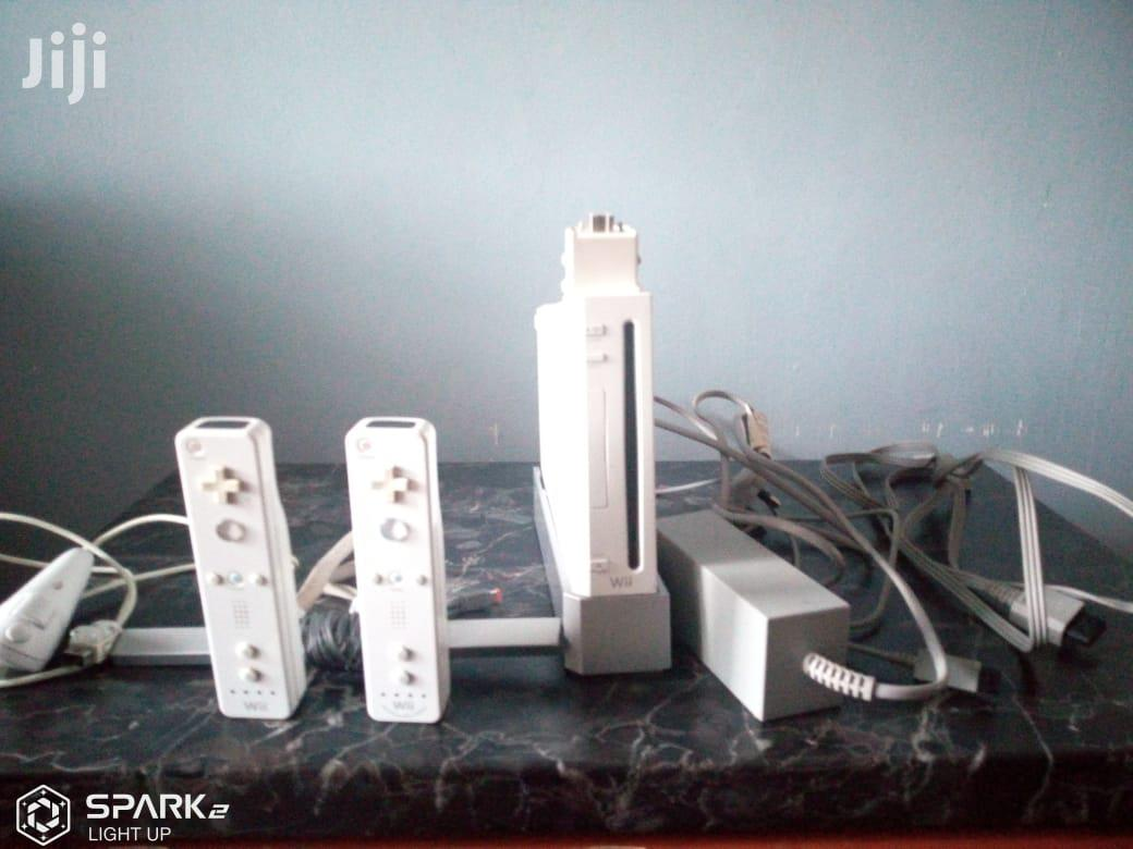 Nintendo Wii With 2 Controller And 7 Games
