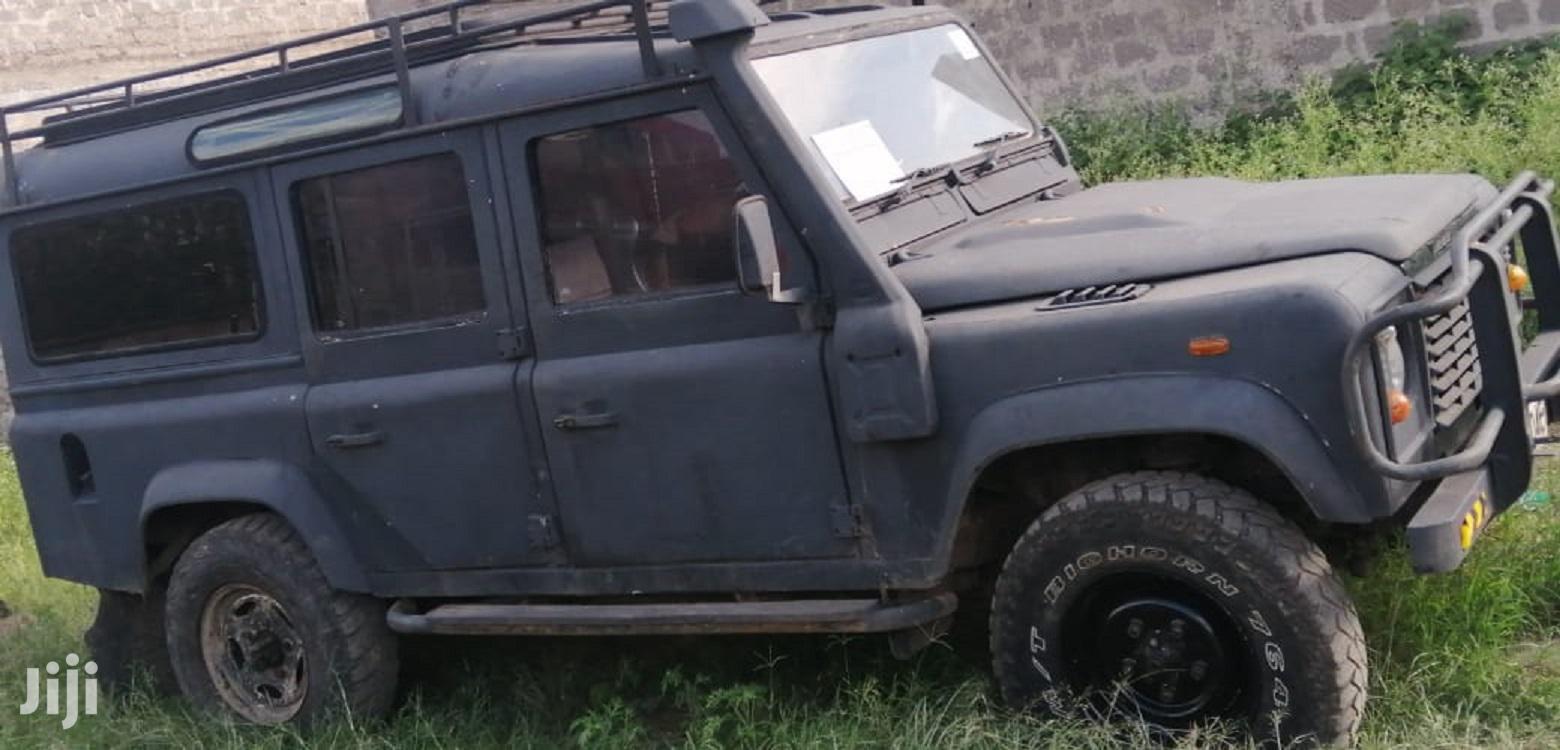 Archive: Land Rover Defender 1999 Black