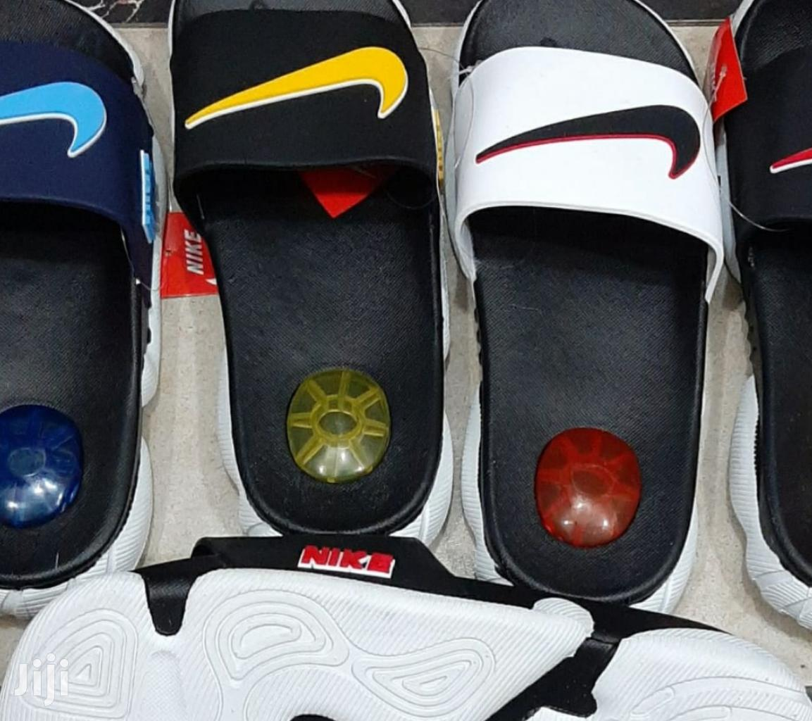 ayudante Psicológico Viaje  Nike Open Slides in Nairobi Central - Shoes, The Company | Jiji.co.ke
