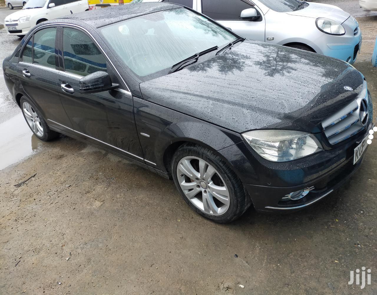 Mercedes-Benz C200 2010 Black