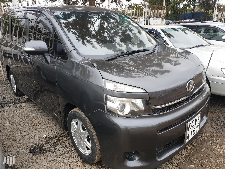 Toyota Voxy 2012 Gray