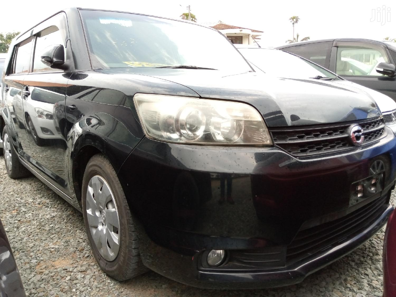 Toyota Corolla Rumion 2013 Hatchback 1.5 FWD Black