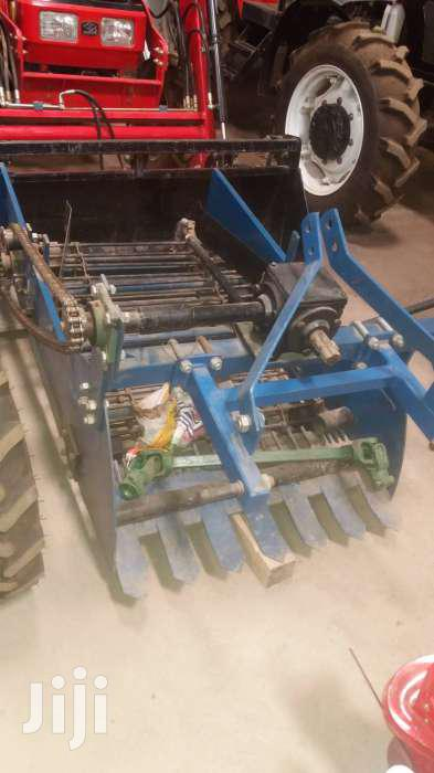 Potato Harvester To Be Used With Walking Tractor 4U-1A