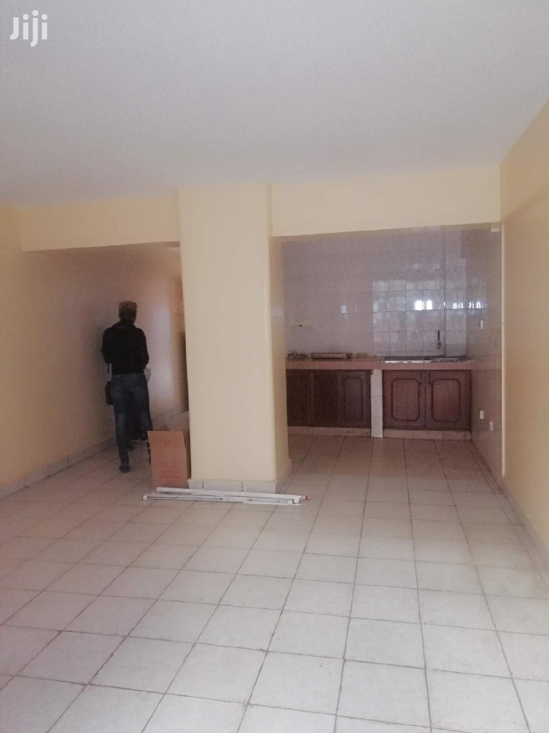 Studio With Lovely Kitchennete,Wardrobes,Balcony and Secure