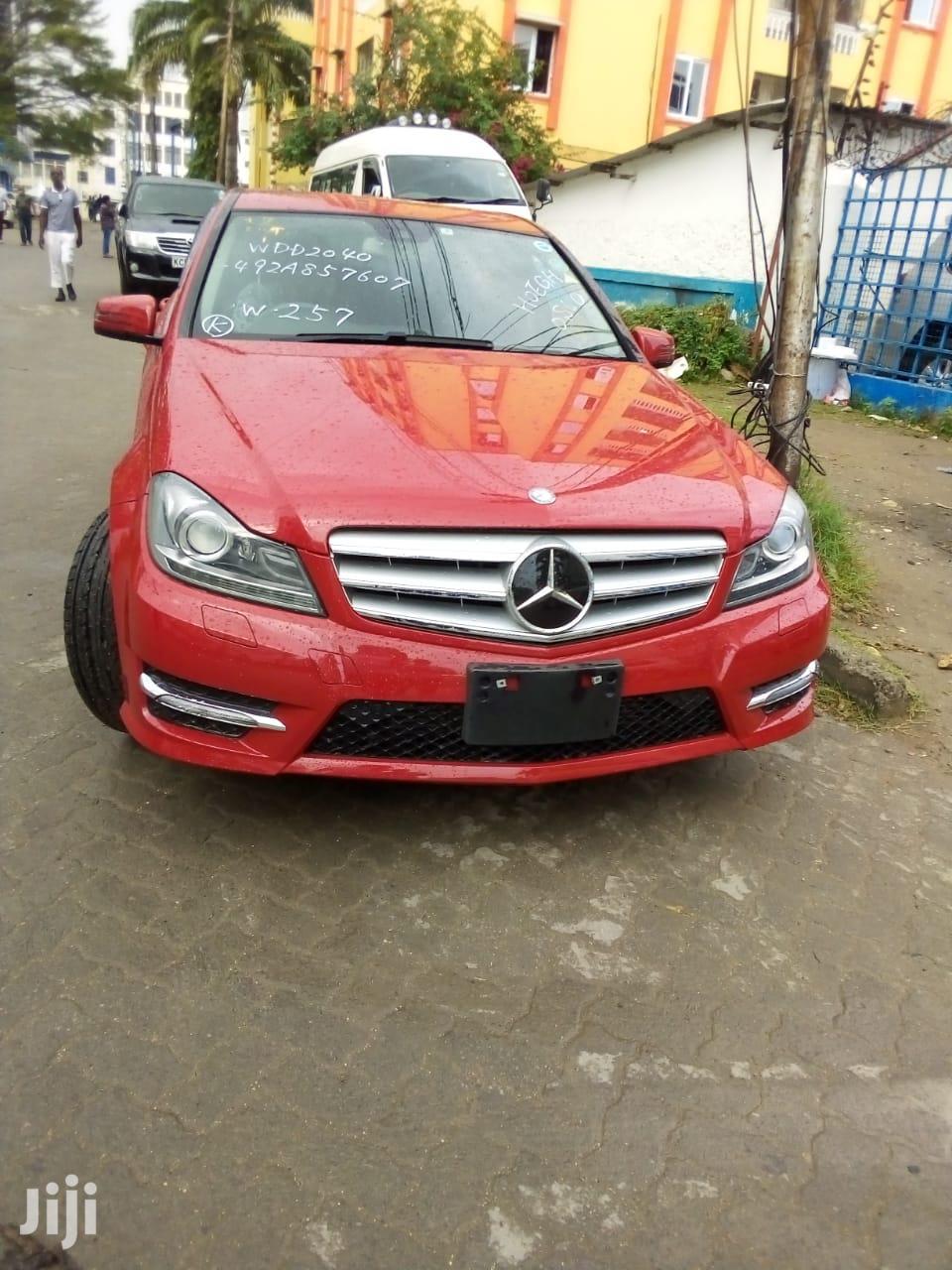 Mercedes-Benz C200 2013 Red