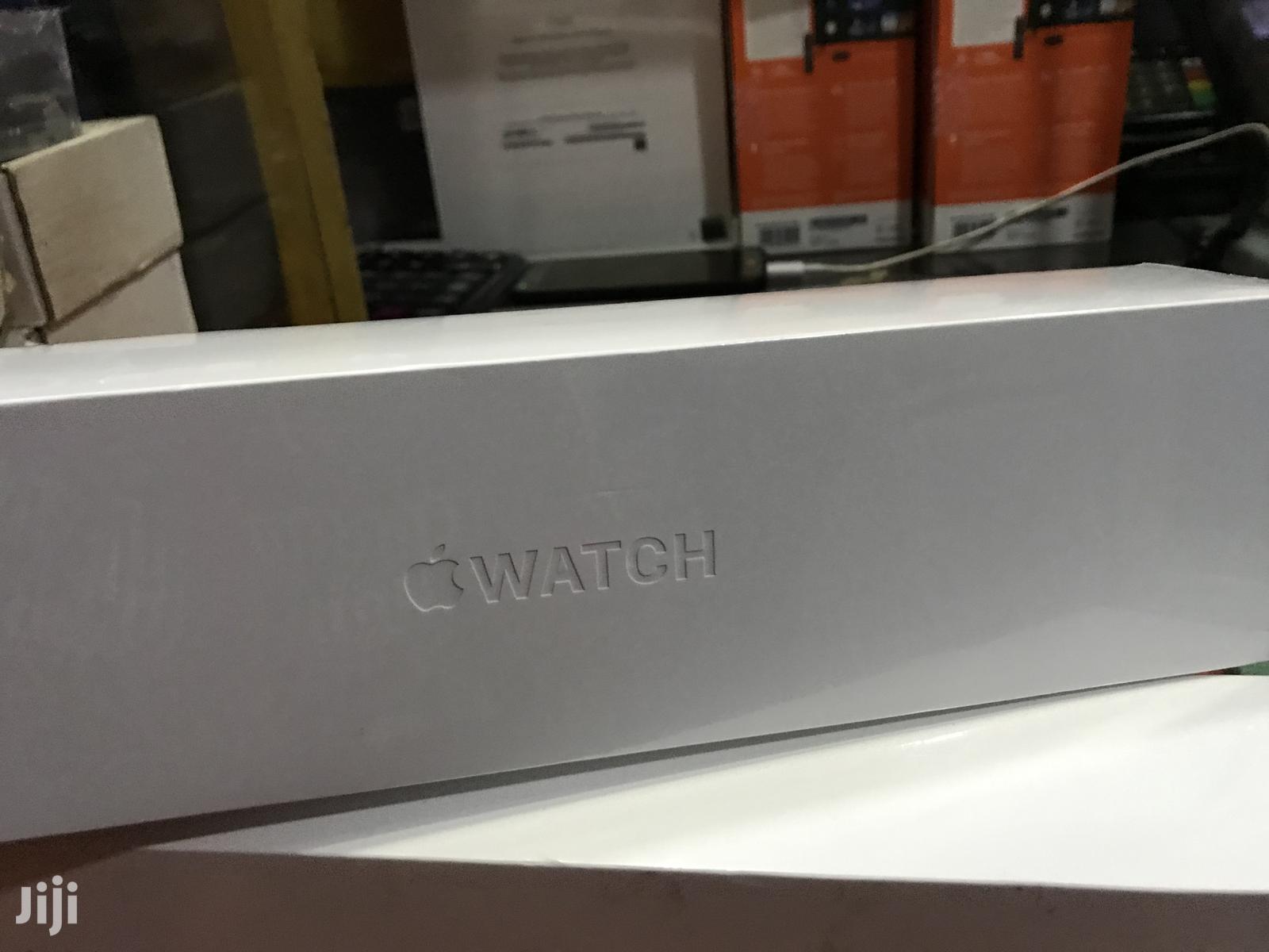 Apple Series 5 44mm Brand New
