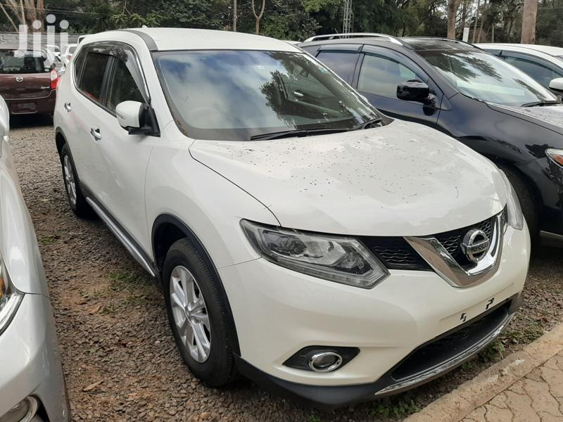 Archive: Nissan X-Trail 2014 White