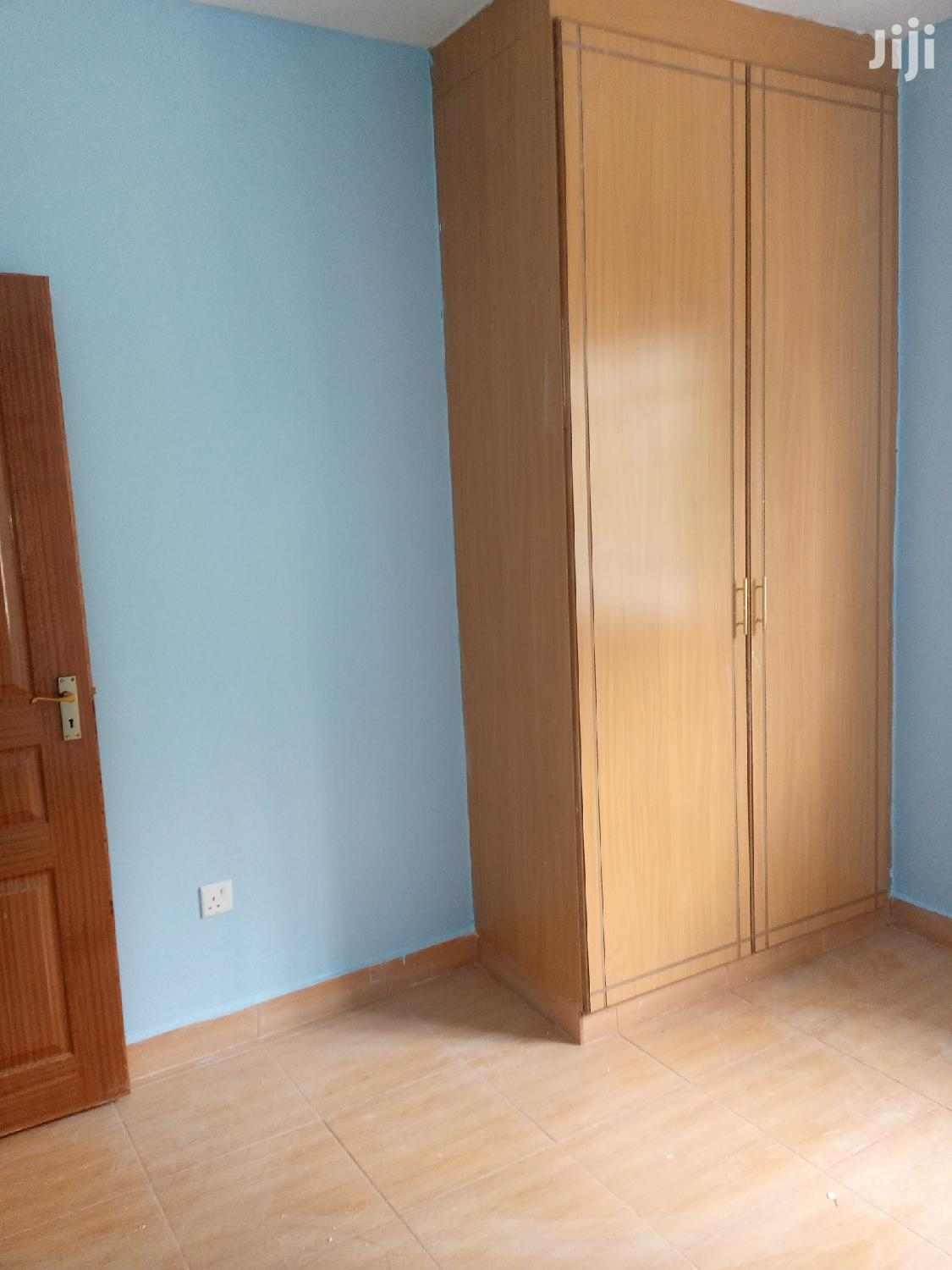 Archive: Three Bedrooms Two Ensuite