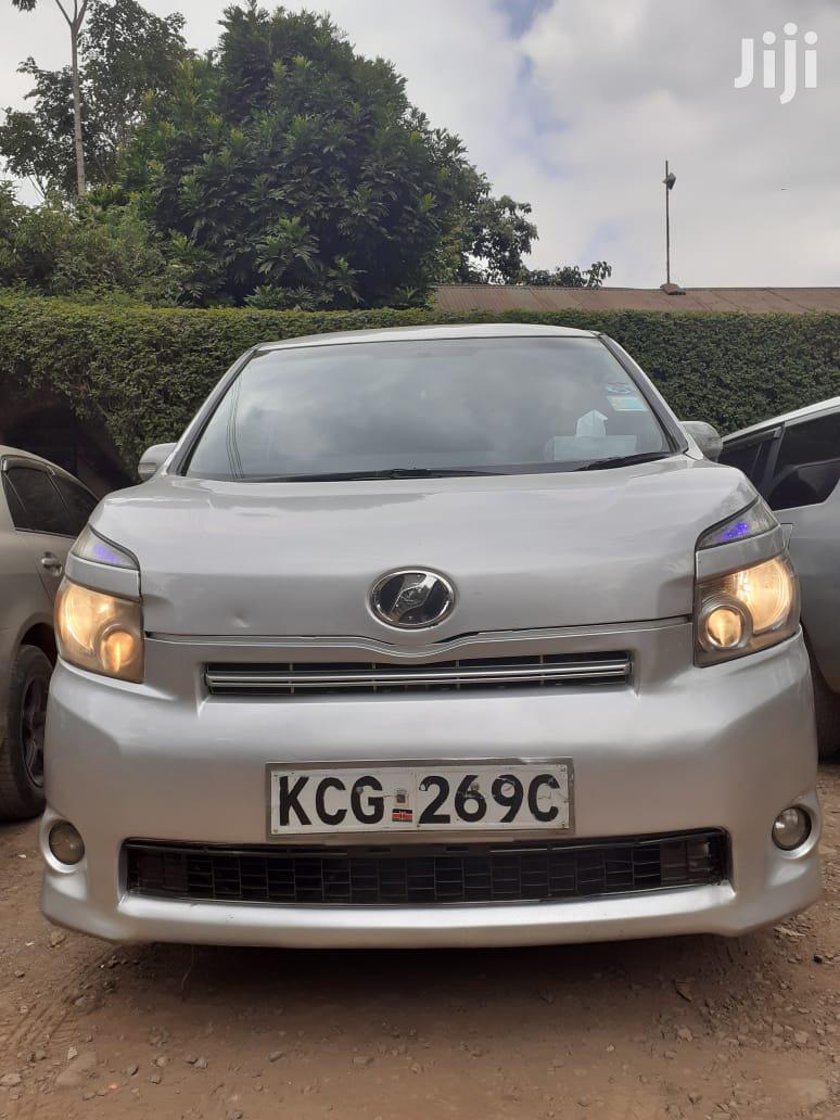 Toyota Voxy 2008 Silver