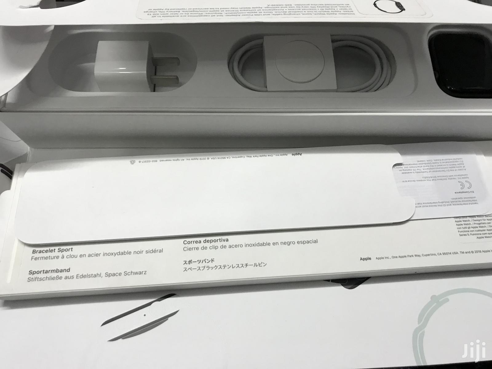 Apple Series 5 44mm Space Grey