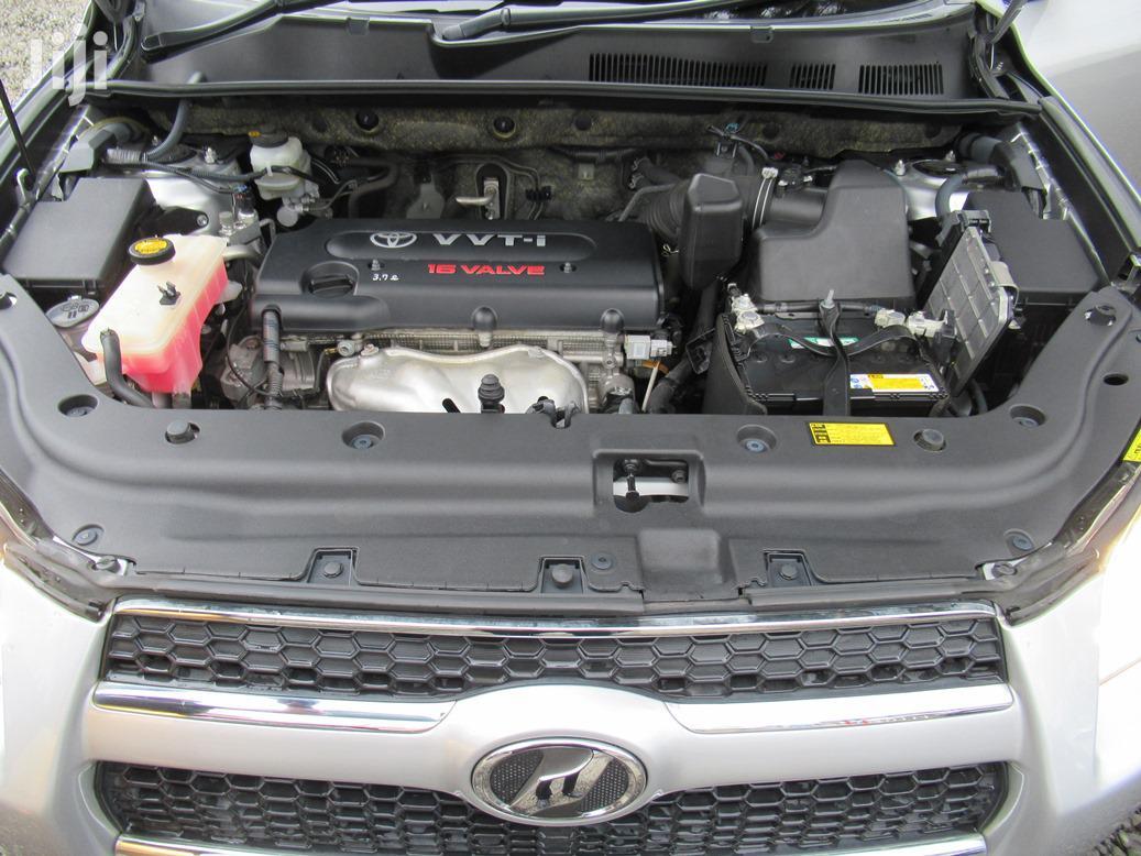 Archive: Toyota RAV4 2014 Silver