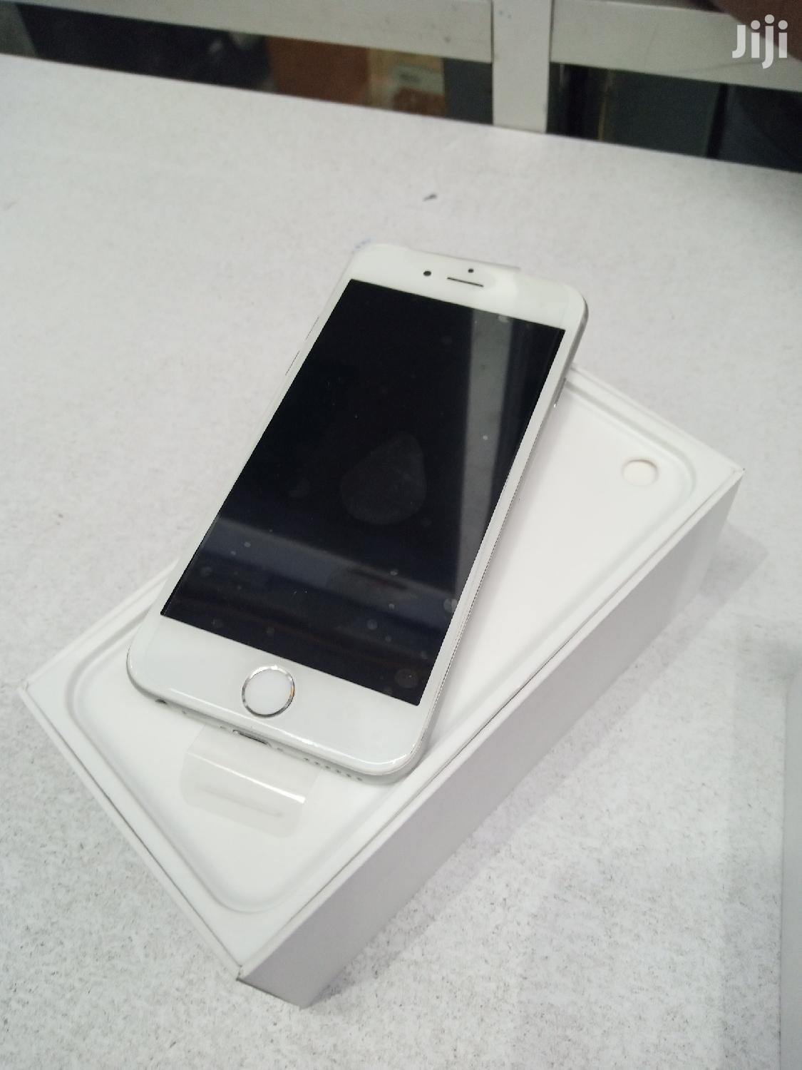 New Apple iPhone 6 64 GB White