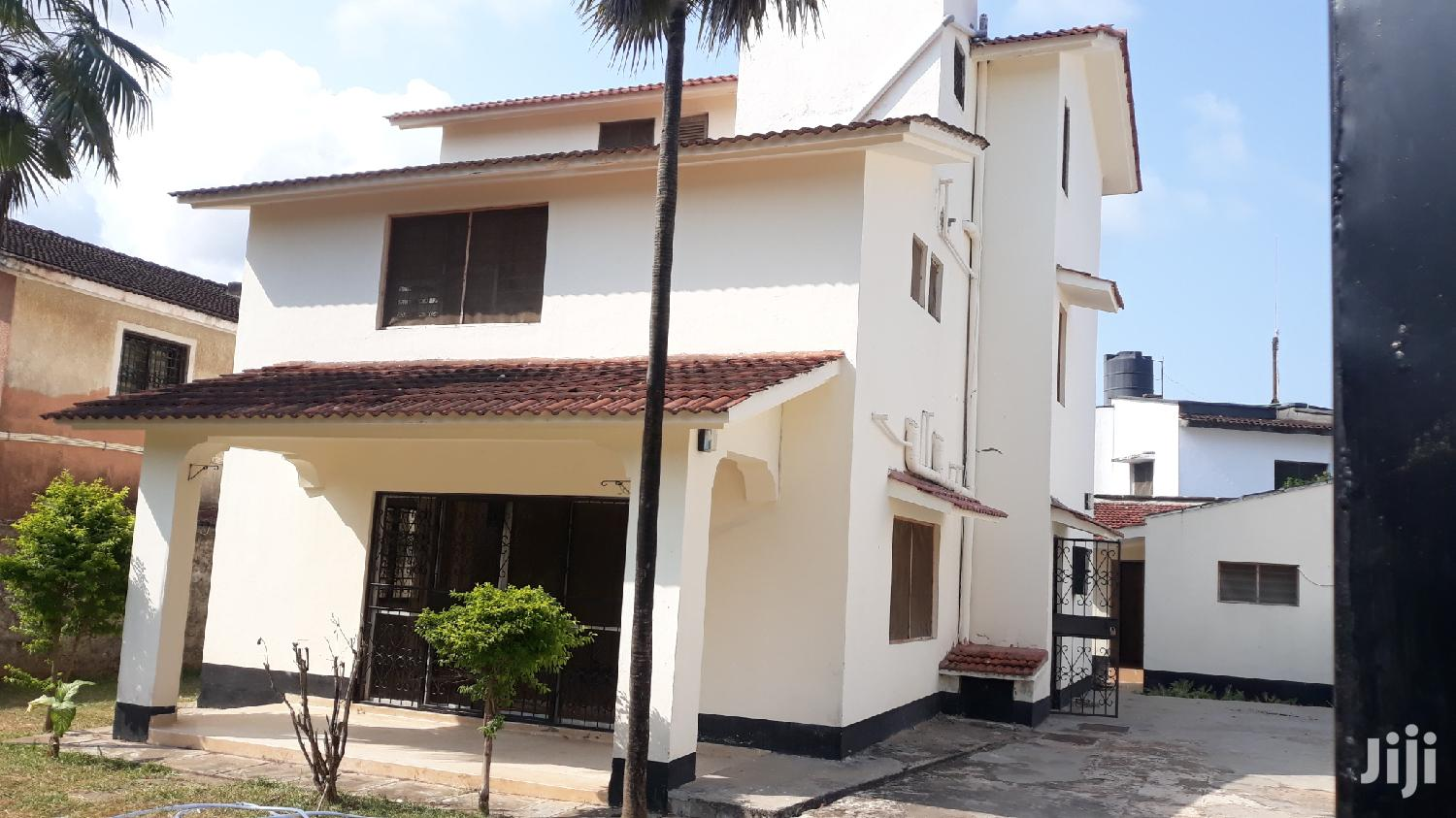 Nyali// Stunning 4 Bedroom Villa Own Compound With Sq