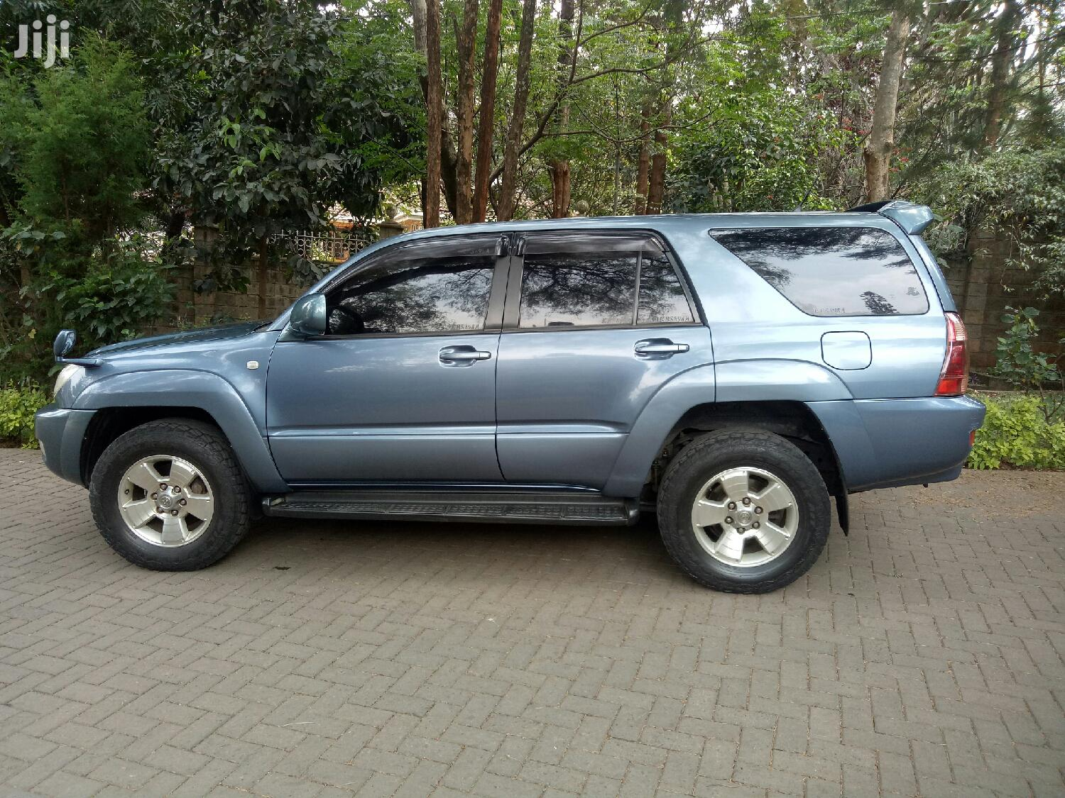 Archive: Toyota Surf 2005 Blue
