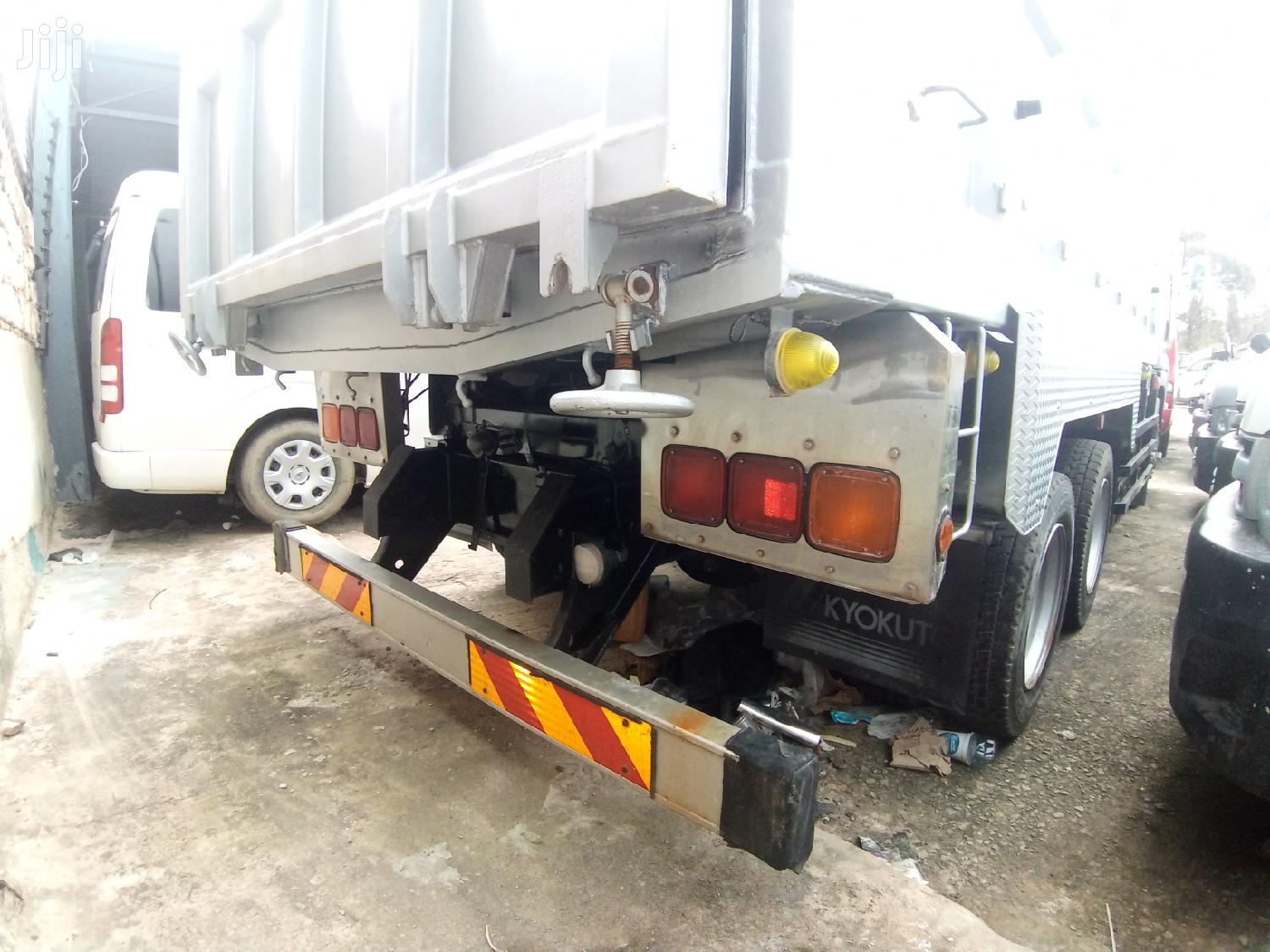 Isuzu Tipper 2012 Silver | Trucks & Trailers for sale in Mvita, Mombasa, Kenya