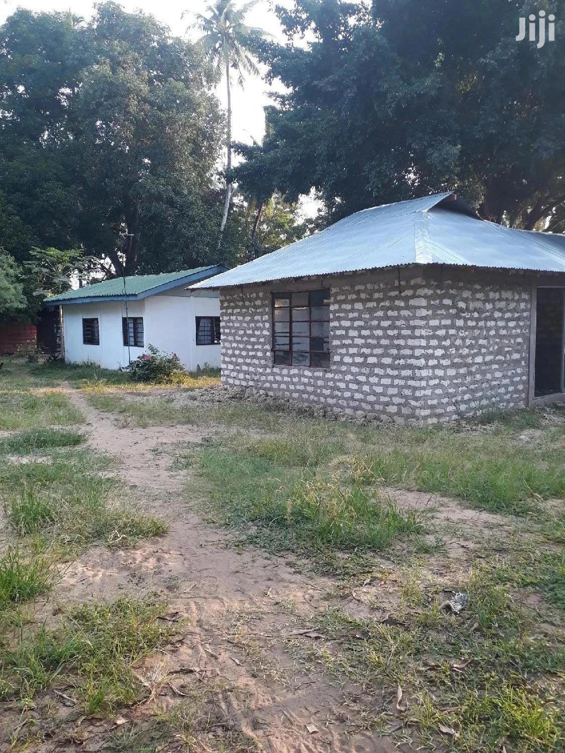 To Let Yard With Houses Mtwapa