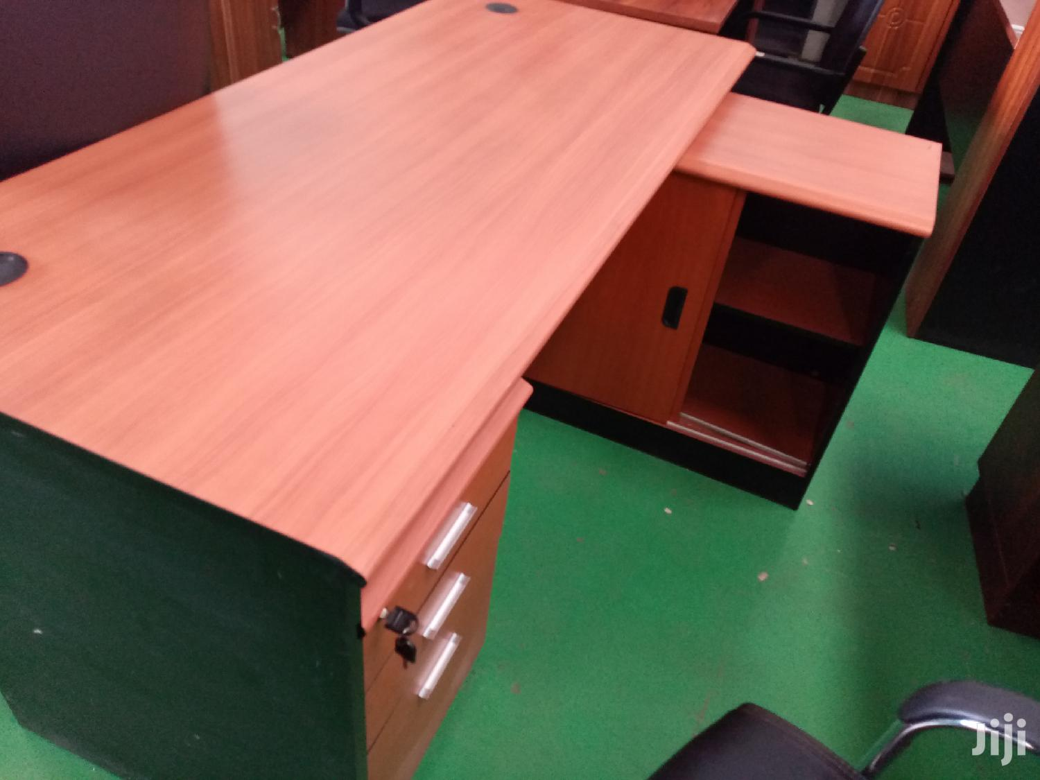 Office Desk With Side Cabinets