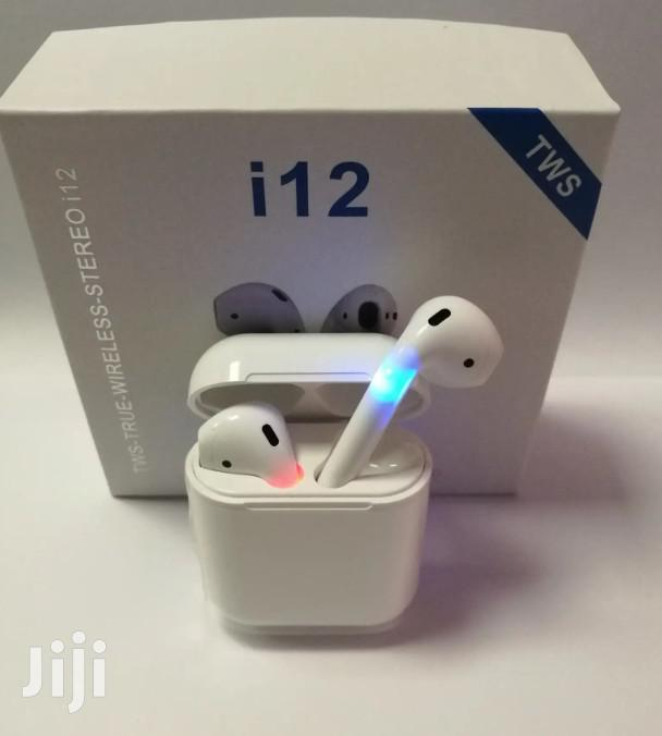 White I12 Wireless Earphones