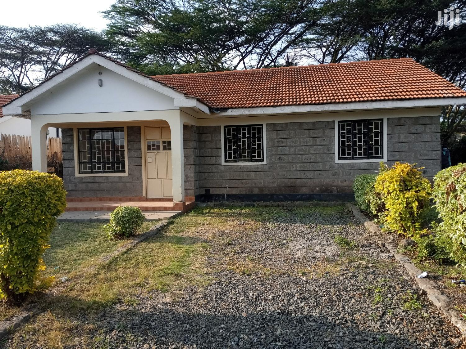 Archive: Nice Three Bedrooms Masters Ensuite In Gated